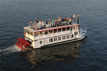Fun aboard the Lady of the Lake on Lake Minnetonka